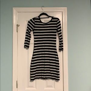 Black and white short express dress size small